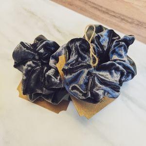 ‼️$6 SALE 💵 Leather & Velvet Scrunchie Duo • NWT✨